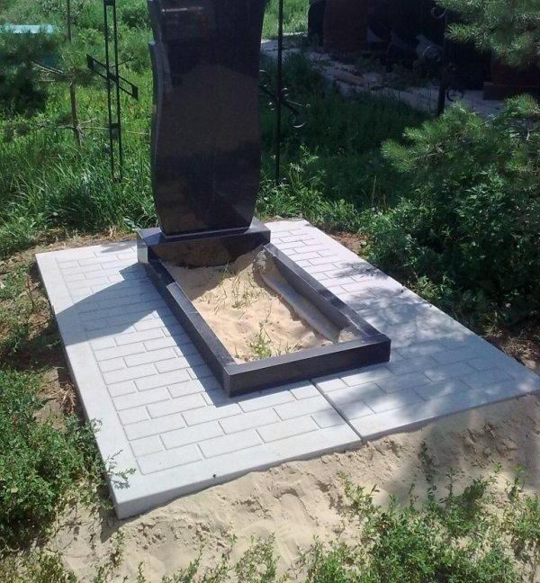 Преимущества памятников из габбро