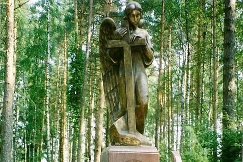 Уход за памятником из бронзы